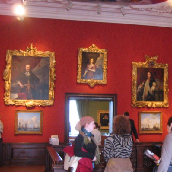 美術館120×120
